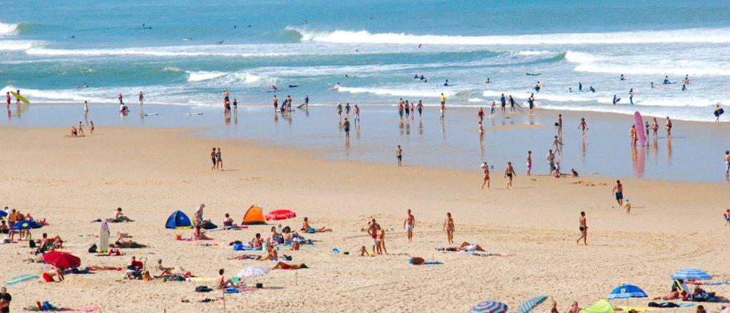 Profitez d'un environnement naturel relaxant au camping Lou Pignada Pays basque avec des prix attractifs !