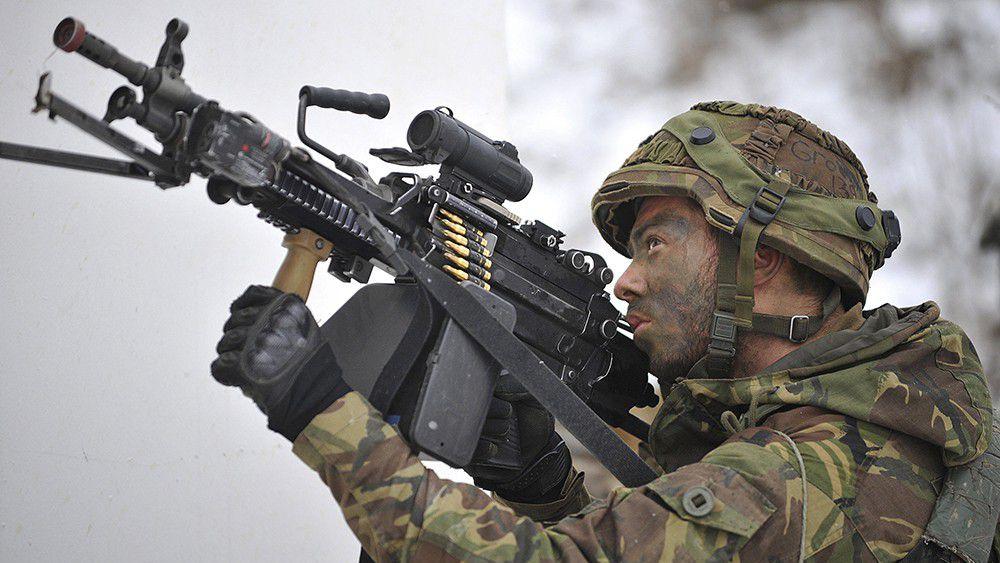 Où commander des équipements et matériel militaire ?