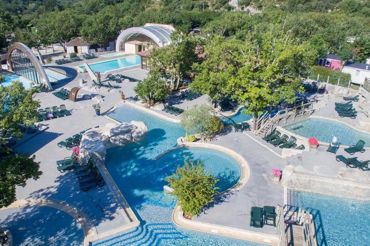 Se ressourcer en pleine nature : pourquoi camper en Ardèche ?
